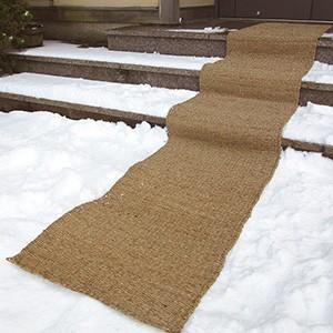 直送品 代引き不可 滑り止めマット 幅50cm×長さ3m 階段マット マット 滑り止め 屋外 玄関 通路 外階段 駐車場 滑り防止 雪 凍結 ぬかるみ 用品 グッズ 人気|heartdrop