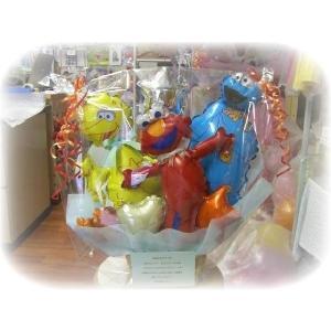 バルーンアレンジメント セサミストリート お誕生日 結婚祝い 出産祝い 発表会 バルーン電報 ギフト|heartwrap