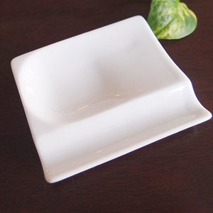 和食器 お箸置き 日本製 ちょこっとスプーンお箸置きレスト 白  アペタイザー皿としてお醤油皿として...