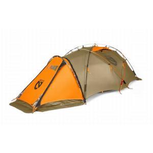 エルクや鹿を追って厳冬期の雪原の中に滞在するときも、フライシートとインナーテントを一体化した山岳用テ...