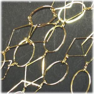 3407-【チェーン】ブラスデザイン ゴールド 菱形24x14mm 約1メートル 1本|hellospace