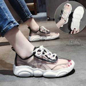 【商品説明】  シースルーが目を惹く厚底スニーカー。 そのまま履くのはもちろん、鮮やかな色の靴下を履...