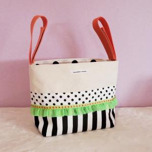 ネオングリーンとモノクロのちょっとキッチュなベビーカー用バッグ(受注製作)|hi-inari