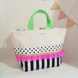 ネオングリーンとモノクロのちょっとキッチュな帆布のトートバッグ(受注制作)お散歩バッグやちょっとしたお出掛けにも |hi-inari