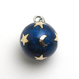 深いブルーに輝く月とたくさんの煌く星たちをそのまま写しとったようなデザイン。その優しい柔らかな音色が...