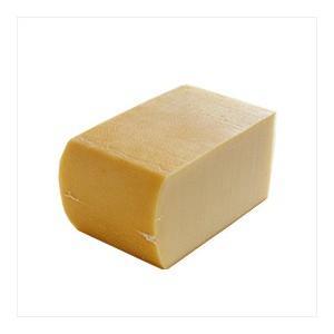 スイスの代表的チーズ、ラクレット。「そぎ落とす」という意味の「ラクレ」という言葉が、その名前の由来で...