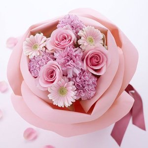 日比谷花壇 バラの形の花束 ペタロ・ローザ「フェミニンピンク」|hibiyakadan