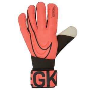 高いグリップ力で試合を制覇 ナイキ グリップ3 ゴールキーパー グローブは、内側のフォームが親指、人...
