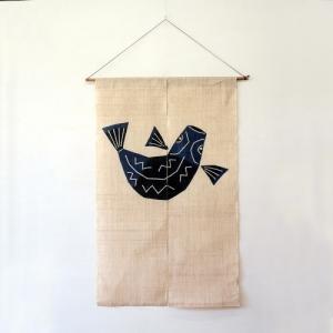 駿河和染 麻暖簾 白地に魚|hinoki-craft
