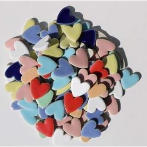 幸福のハート形タイル。  23×23×4ミリ厚  材質:磁器質(1類) 施釉。 9色をMIX(混色)...