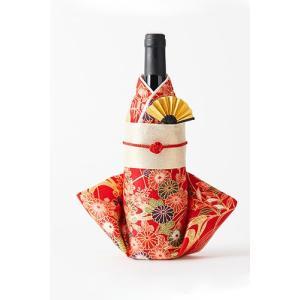 テーブルコーディネートの主流は、基本的には洋風。その中に違和感なく和風のものを取り入れ、日本の良いも...