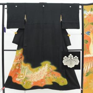 黒留袖 中古 リサイクル 正絹 五つ紋 比翼付き 金駒刺繍 孔雀文様 草花文様 裄64cm Mサイズ hh4931|hitotoki