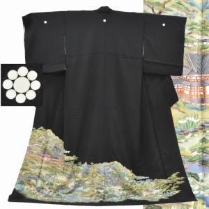 黒留袖 中古 リサイクル 正絹 五つ紋 比翼付き 刺繍 風景|hitotoki