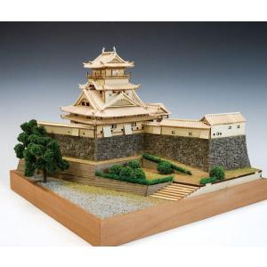 【木製建築模型 1/150 高知城】キットは精密レーザーカット加工部品を多用し、組立やすい構造。天守...