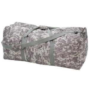 ACUデジタルカモフラージュ柄のミリタリージャンボダッフルバッグ。200リットル以上も入る大容量の大...