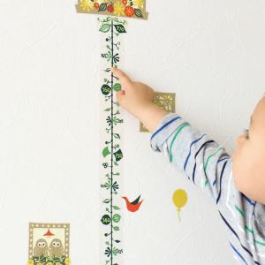 切り絵作家CHIKUの世界 ツルクサの身長計&フクロウと楽しい仲間たちのウォールステッカー|hohoemi