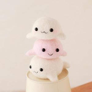 可愛いあざらしのきょうだいが作れるフェルト羊毛キット。