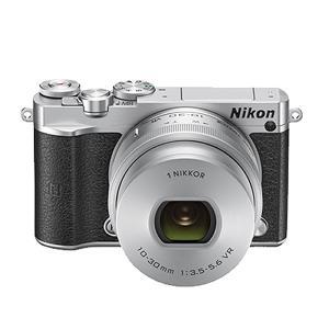 ニコン(Nikon) ミラーレス一眼 Nikon1 J5 標準パワーズームレンズキット (シルバー)...