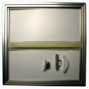 床下点検口の一般普及タイプで在来工法用。 外枠に気密材を配したホーム床点検口です。 300mm、45...
