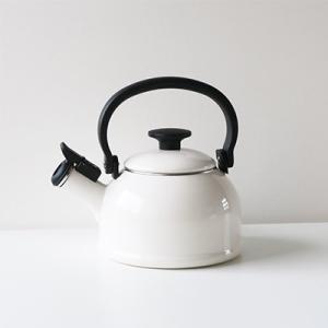 ホーロー 琺瑯 ほうろう ケトル 富士ホーロー ハニーウェア 1.6L 笛吹き ケトル コットンシリーズ キッチン雑貨 オシャレ シンプル やかん 安心のメーカー直販|honeyware