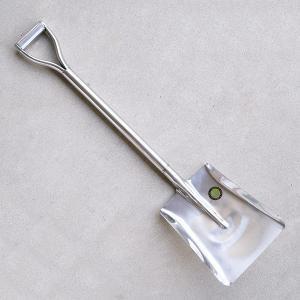 オールステンレス製。 刃先は焼入れが施されており通常使用に耐えられる強度があります。 パイプ柄・ハン...