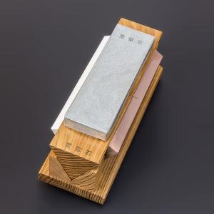 包丁砥ぎ プロ 三面砥石 台付 一台三役 荒砥・中砥・仕上砥がひとつに|honmamon