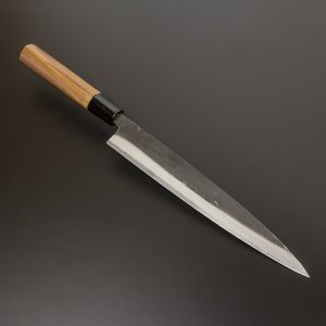高知土佐で屈指の腕を持つ包丁鍛冶が叩き上げた「ほんまもん」 ねばりのある高硬度の切れ味。  機械で作...