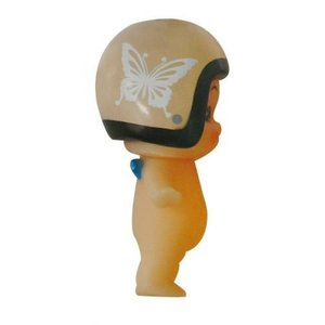 DAMMTRAX(ダムトラックス) キューピー× ヘルメット着用 キューピーちゃん キーホルダー ニューチアバタフライ グレイベージュ|horidashi