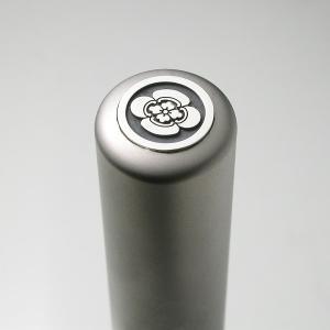 家紋入りチタン印鑑(個人実印・銀行印・15mm)シルバーエンブレム・松コース|horigin-store