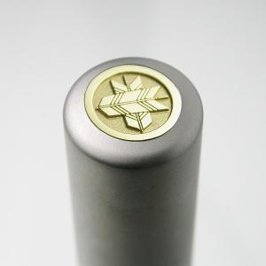 家紋入りチタン印鑑(個人実印・16.5mm)ゴールドエンブレム・梅コース|horigin-store