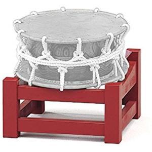 1尺1寸の 附締太鼓(並附締太鼓)を、座り打ちする際に使用する太鼓台。  座り打ちには「正座打ち」と...