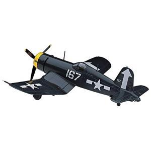 アメリカ海軍が開発、第2次大戦・朝鮮戦争で活躍した戦闘機、F4U コルセアです。  組み立て、塗装が...