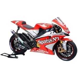 2004年のロードレース世界選手権motoGPクラスに4台のマシンを送り込んだヤマハ勢の中で、シルバ...