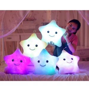 発光枕 LED ライト 枕 抱き枕 ぬいぐるみ 光るLED おもちゃ 子供 クッション サイズ 38センチ 星型 スマイルスター|hot-style