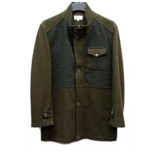 落ち着いたカラーのウールコートです。ビジネスにもカジュアルにも使いやすい。 遊び心のある洒脱なデザイ...
