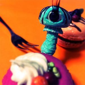 Eyeball Mushroom:ブローチ/テング目玉茸:ペパーミントチョコ:ホイホイレコードだけ販売|hoyhoy-records