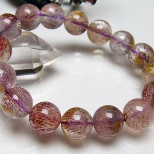 【水晶(石英、クリスタルクォーツ)】水晶とは石英を指しますが、一般的に無色透明のものをクリアクォーツ...