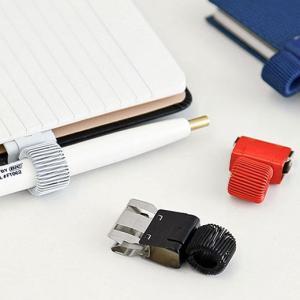 手帳やノートなどワンタッチで装着できるペンホルダーです。 とめる・はずすが瞬時におこなえるスライド式...