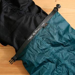 高密度リップストップナイロン(コーデュラ)製のスタッフバッグに大容量18Lサイズが仲間入り。アウトド...
