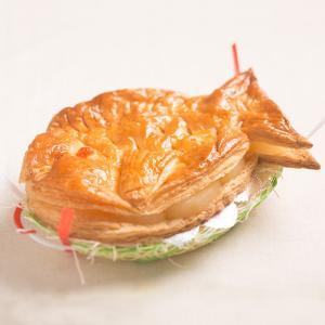 「芦屋カロル」鯛パイ(中)約30cm(冷蔵)|hyogo-tokusanhin
