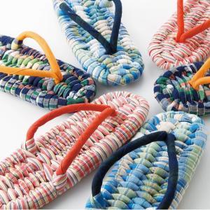 糸から染めて織る播州織。約200年以上の伝統を現在に受け継いでいる生地を使って作り上げた布草履です。...