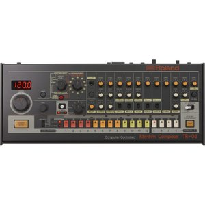 ローランド TR-808をモダン&コンパクトにしたドラムマシン:お届け予定日数:5〜10日