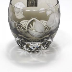 大倉陶園×カガミクリスタル 12カ月グラス 2月冷酒杯 椿|i-matsumoto|02