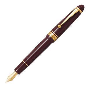 パイロットの定番万年筆「カスタム74」シリーズ。 「74」はパイロットが創業74年目に発売したことで...