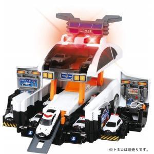 ■パトロールカーモード トミカを最大12台積載可能な大きなパトロールカーです。手ころがしで遊ぶことが...