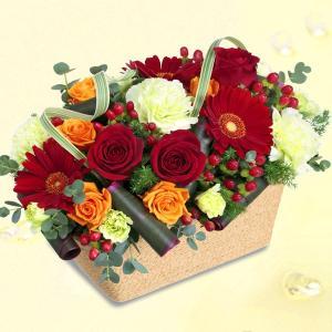 誕生日フラワーギフト 花キューピットの赤バラのスクエアバスケット 花 ギフト 誕生日 プレゼント i879