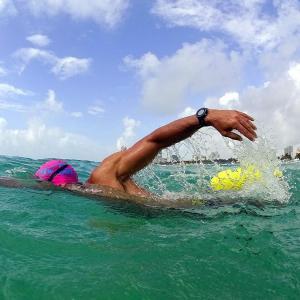 New Wave Swim Buoy スイムブイ 水泳ブイ オープンウォータースイマー、トライアスロ...