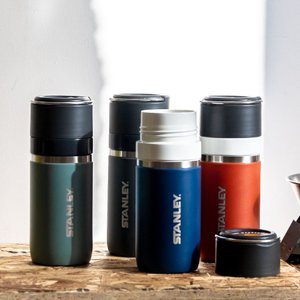 セラミックタッチによる滑らかな口当たりで、匂い移りや着色しにくい『GOシリーズ』最上位モデル。 真空...