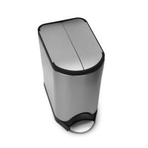 シンプルヒューマン(Simplehuman)のステンレス製のダストボックス。 40Lは分別機能がつい...