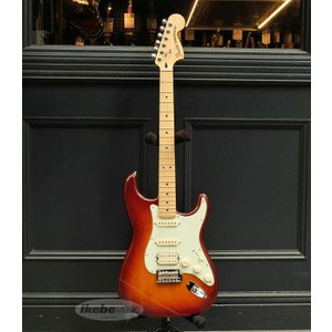 Fender フェンダー Mexico メキシコ / Deluxe Stratocaster HSS (Tobacco Burst/Maple) (Made In Mexico) / アウトレット特価|ikebe